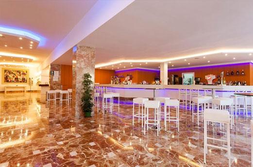 Suneo Club Sirensis Cala Llonga Resort Receptie