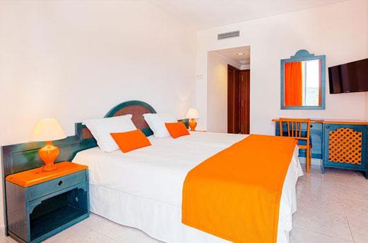 Suneo Club Sirensis Cala Llonga Resort Kamer